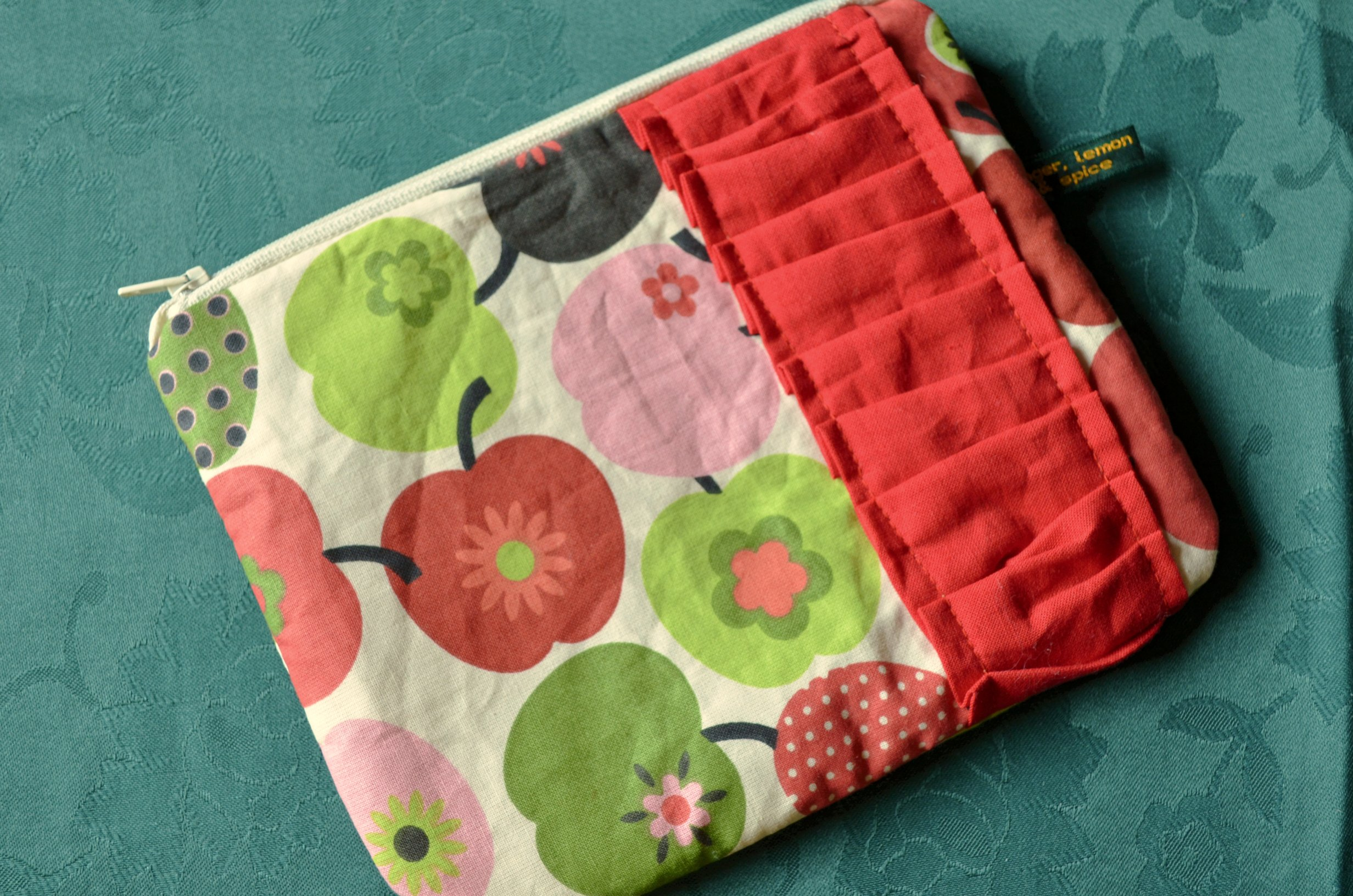 Apple Pouch Giveaway by gingerlemonandspice