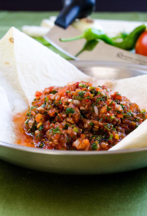 Acılı Ezme – Turkish Spicy Ezme Salad
