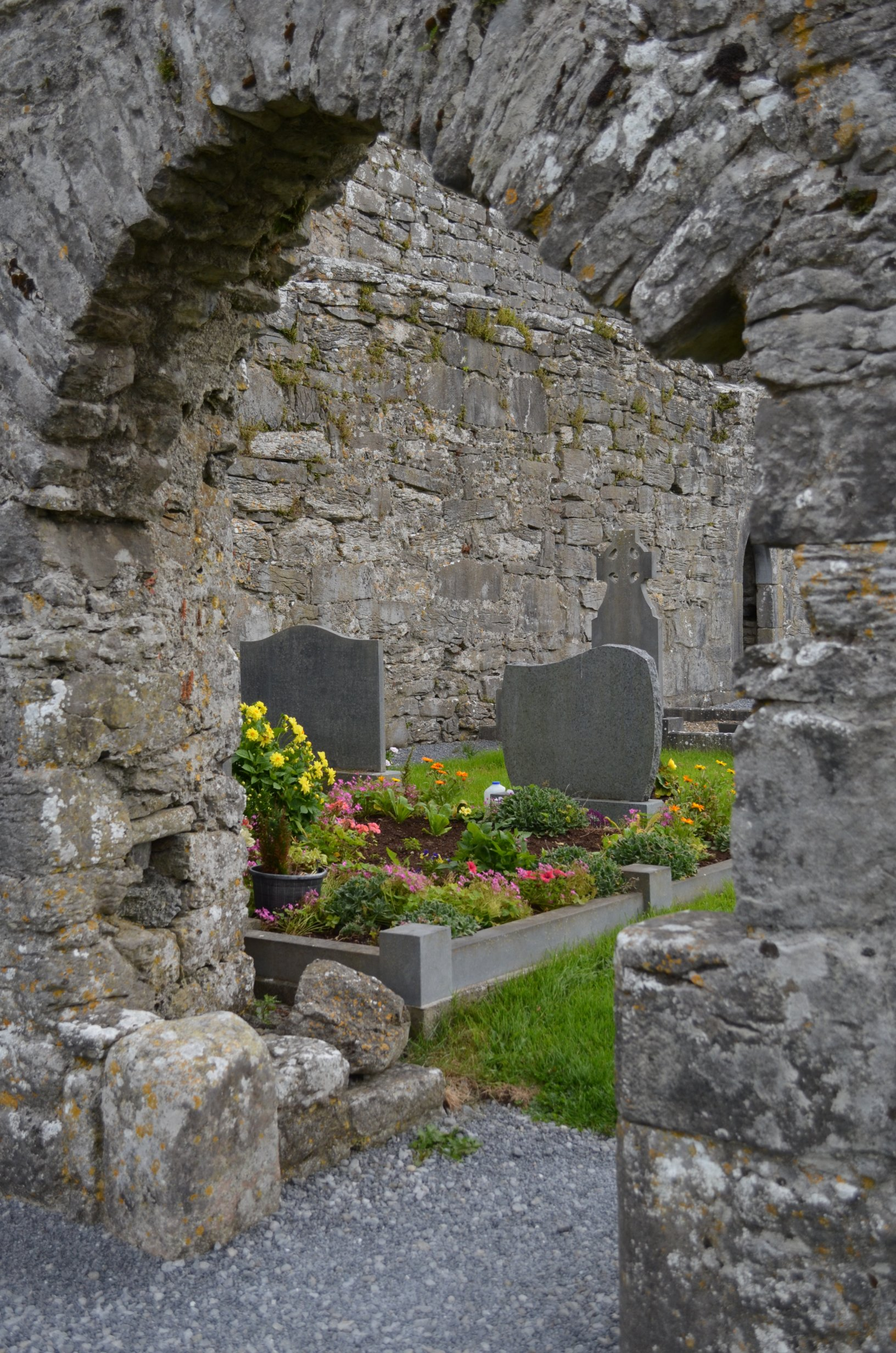 graveyard between ruins