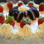 Cheese & Cream Cake with Strawberries and Oreos – Käsesahne-Torte mit Erdbeeren und Oreos
